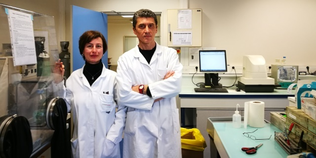 Roberta and Roberto in the lab
