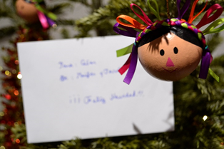 Le sapin de Noël des voisins du sous-sol. Photo d'un résident de la Maison du Mexique.