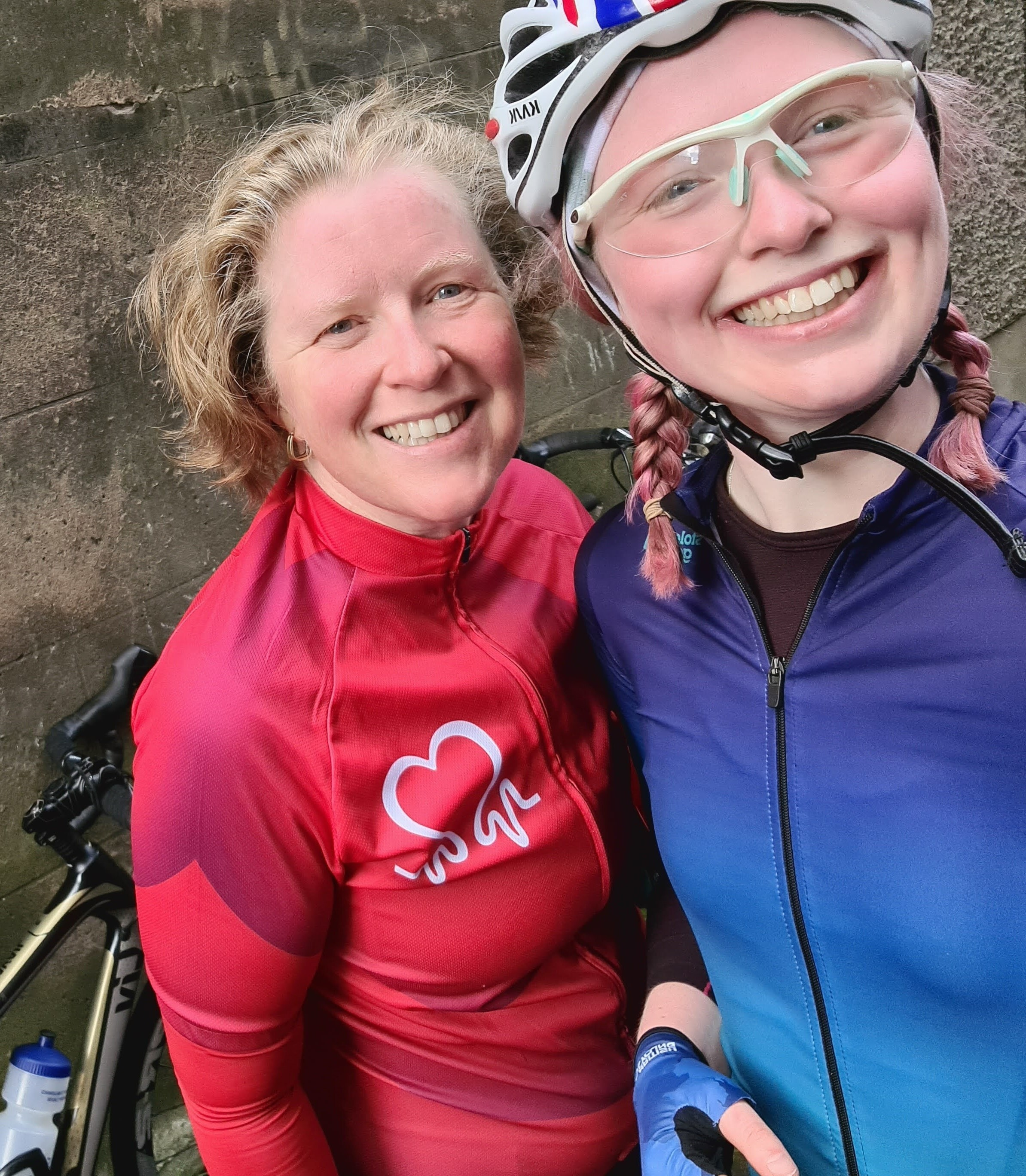Glasgow PhD Student Cara Trivett with her Mum