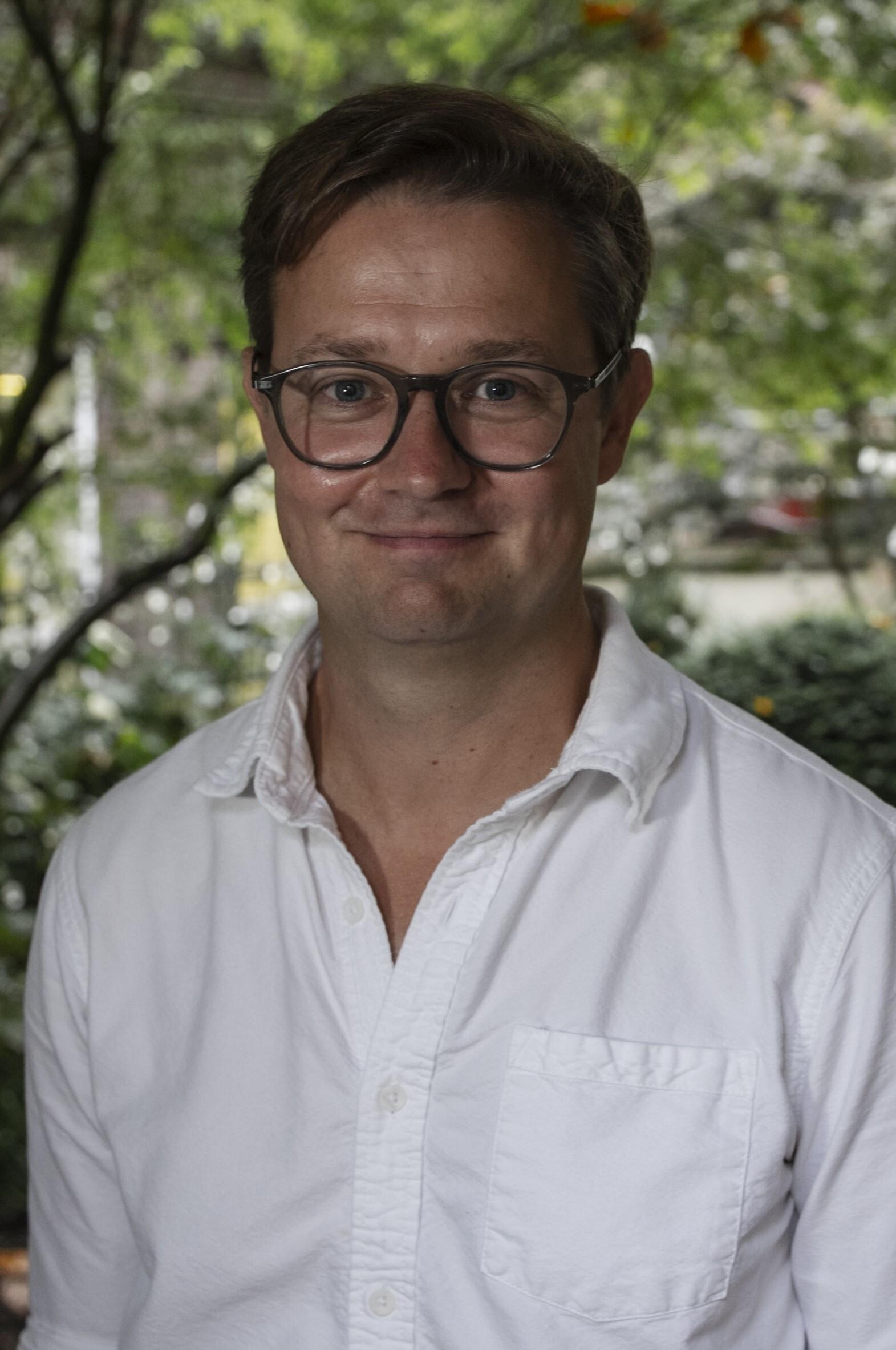 Dr Richard Issitt