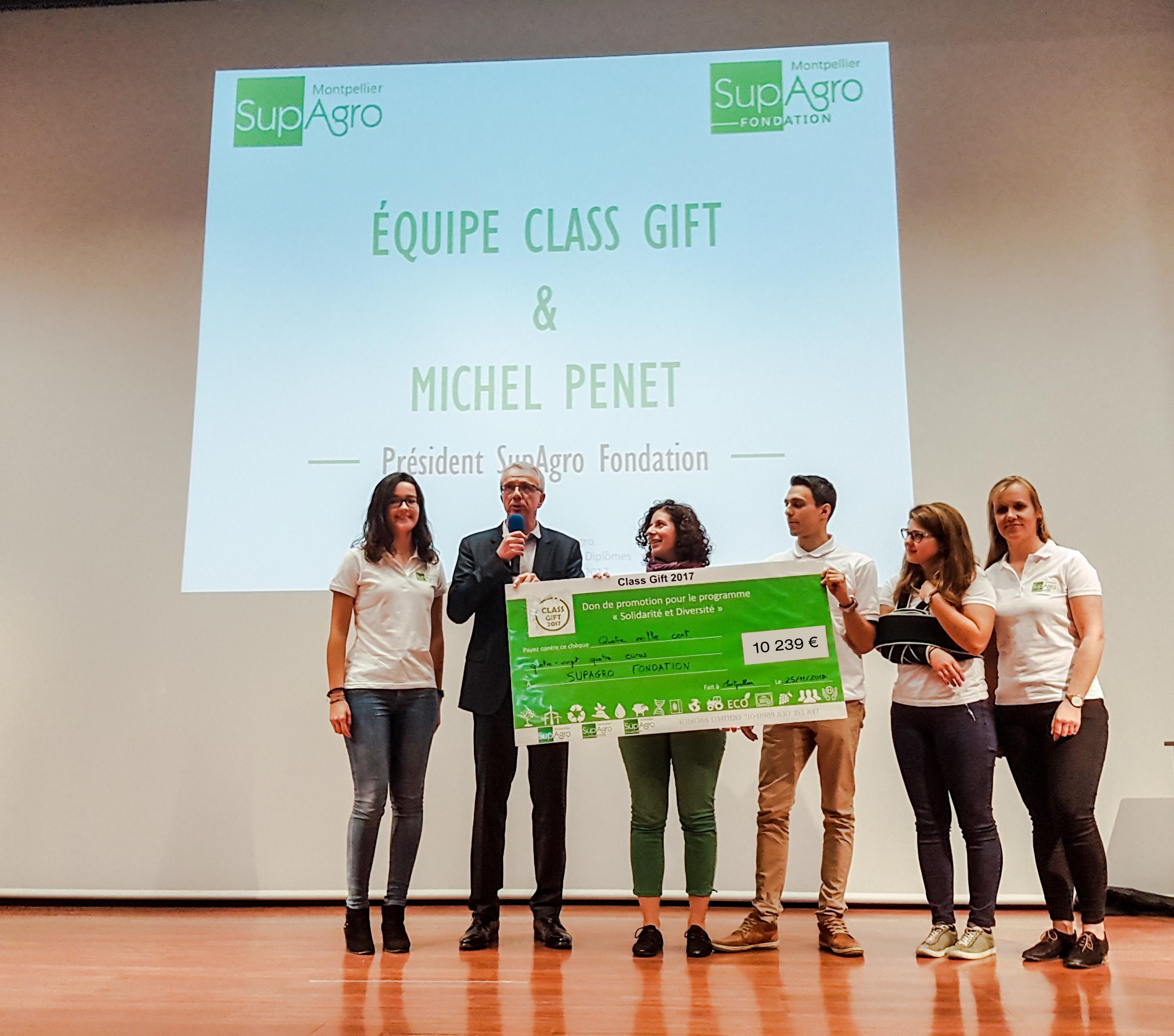 Remise du chèque symbolique au Président de SupAgro Fondation, Michel Penet